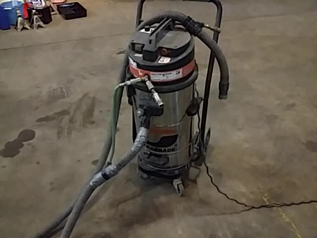 Dynabrade COMMERCIAL dry vacuum