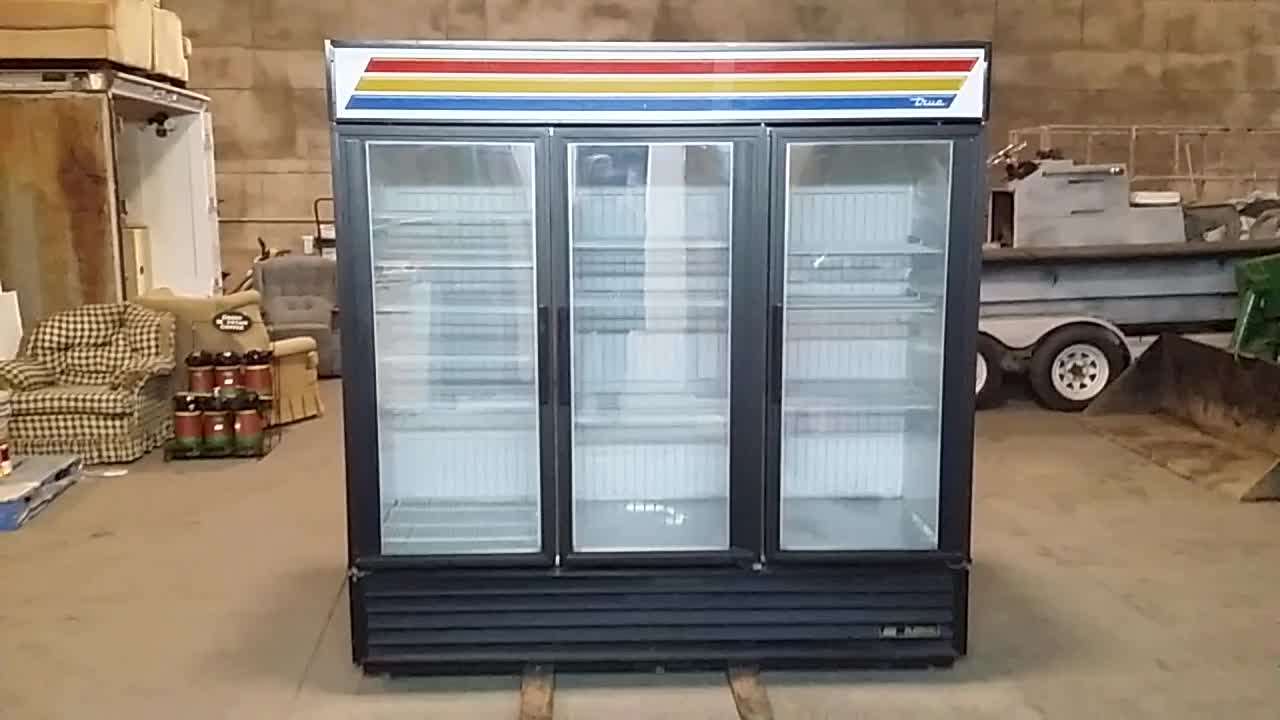 TRUE COMMERCIAL 3 DOORS FREEZER